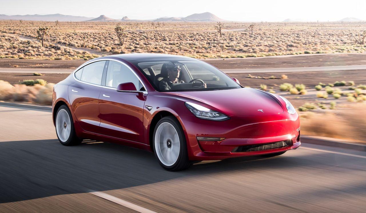 تسلا مدل ۳ با فروش ۸۰۰ هزار دستگاه، شانزدهمین خودروی پرفروش دنیا شد