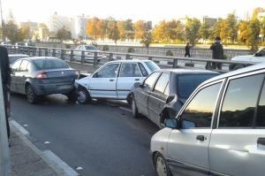 تصادف زنجیرهای در بزرگراه شهید آقابابایی اصفهان ۵ مصدوم برجا گذاشت