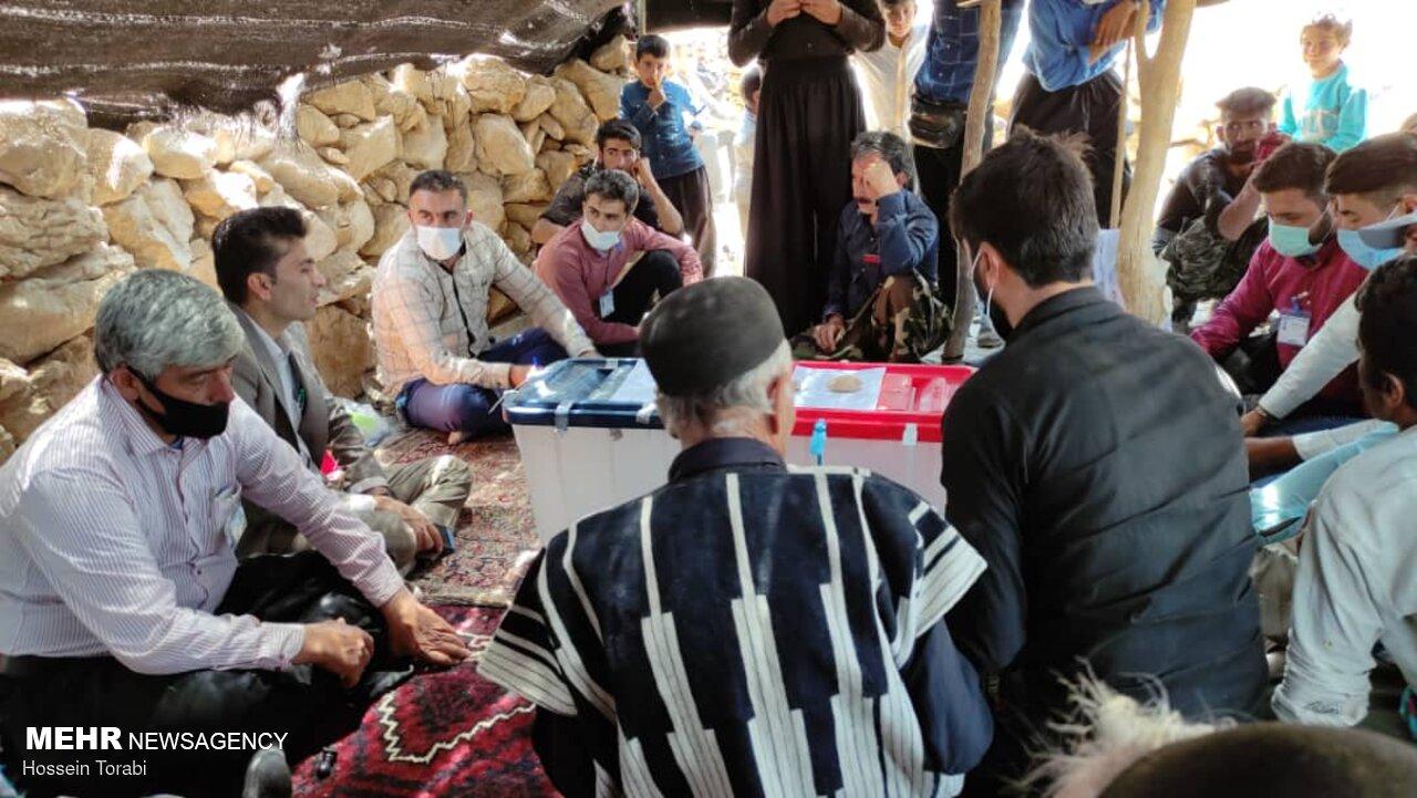 عکس/ حال و هوای انتخابات در مناطق عشایرنشین لردگان