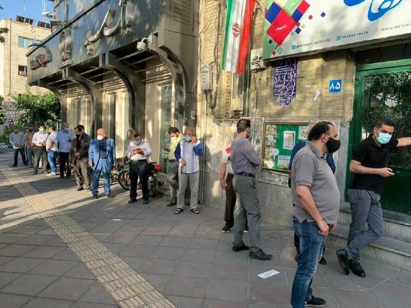عکس/ صف صبحگاهی نارمکیها در ساعت اول رایگیری