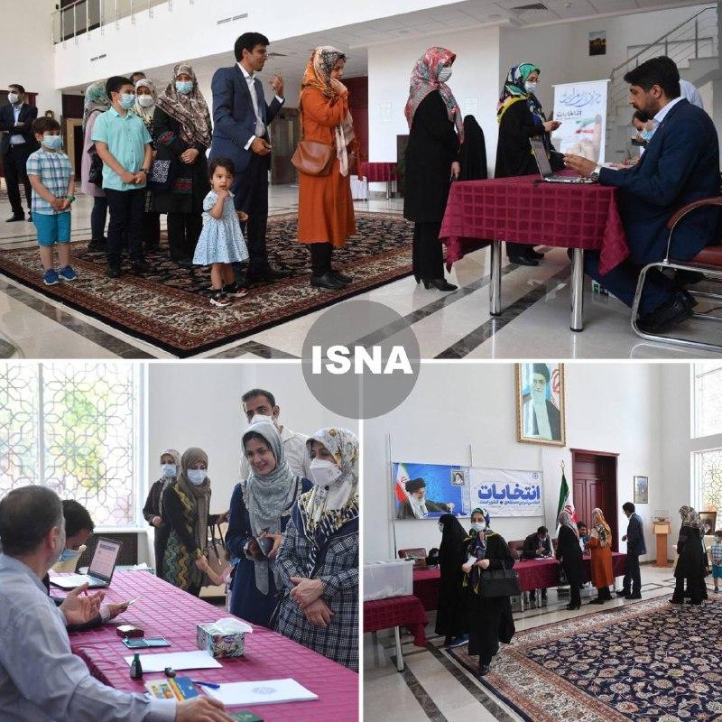 عکس/ رای دادن ایرانی های مقیم بلاروس