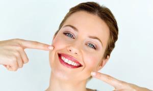 یک لبخند چگونه میتواند روی عزت نفس تأثیر بگذارد؟