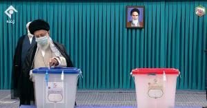 آغاز فرایند رایگیری انتخابات چهارگانه ۱۴۰۰؛ رهبر انقلاب آرای خود را به صندوق انداختند