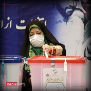 معصومه ابتکار در حسینیه جماران رای داد