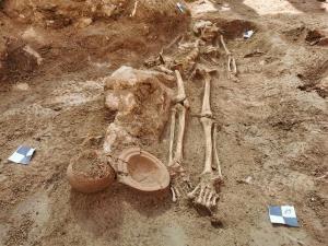 کشف گورستان باستانی در یک کاخ!