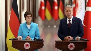 دیدار وزرای دفاع ترکیه و آلمان در آنکارا