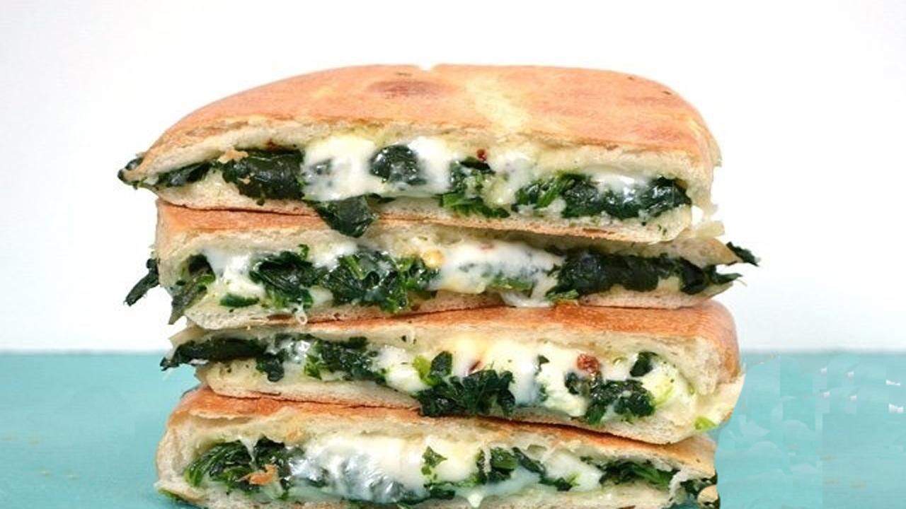 صبحانه/ طرز تهیه ساندویچ اسفناج و پنیر خوشمزه