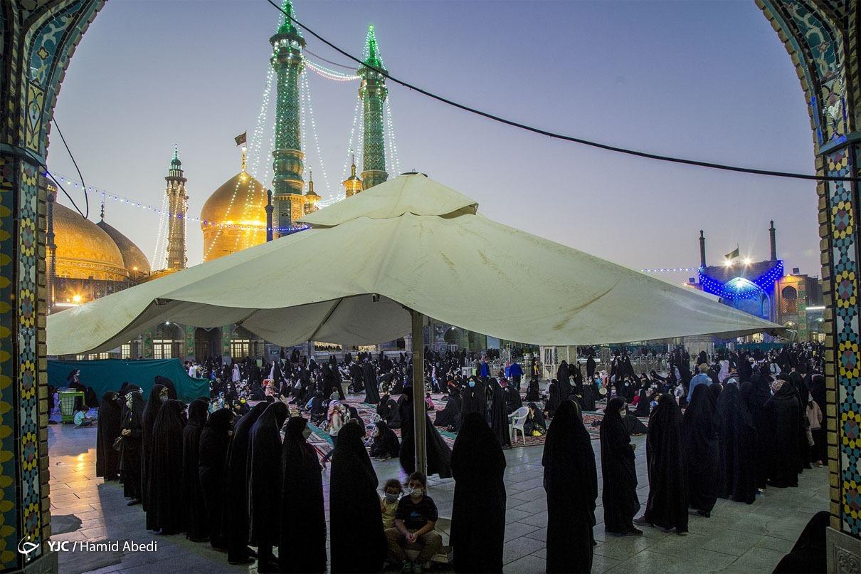 عکس/ حال و هوای حرم مطهر حضرت معصومه (س) در روز انتخاباتی