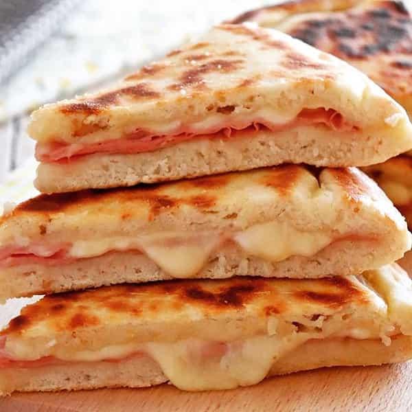 طرز تهیه «فوکاچا» تابه ای به روش ایتالیایی