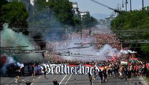 هواداران مجارستان علیه مبارزه با نژادپرستی!