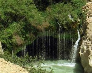 نجات نوجوانی از رودخانه آب ملخ سمیرم