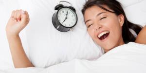 اگر هر روز رأس یک ساعت ثابت از خواب بیدار شویم چه اتفاقی برای بدن مان می افتد؟