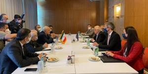 گزارش بورل از دیدار با ظریف: با توجه به انتخابات ایران خواستار ادامه تعهد تهران شدم