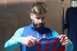 اولین واکنش پیکه پس از دریافت لباس بارسلونا در فصل 22-2021