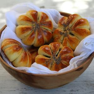 روش تهیه «شیرینی خرمایی» سنتی برای یک عصرانه دل انگیز