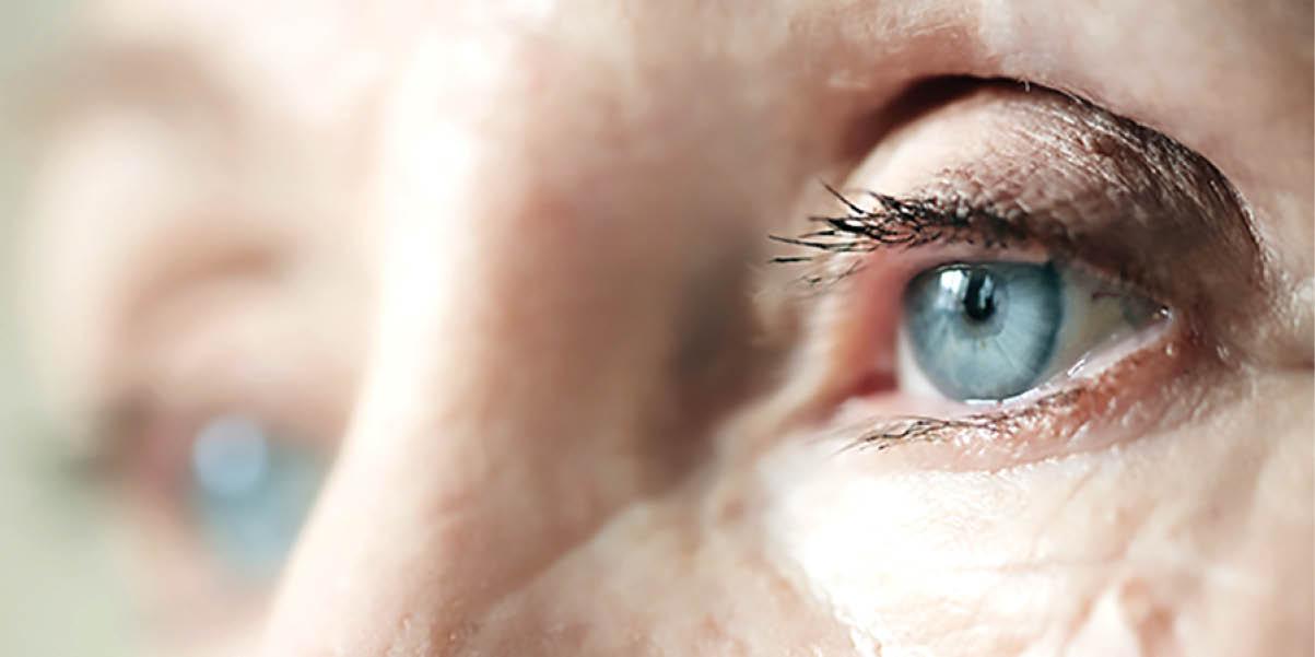 9 عادتی که چشمها را پیر میکند