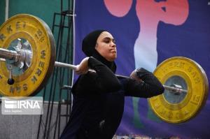 بانوی مهابادی برای نخستین بار به اردوی تیم ملی وزنهبرداری دعوت شد