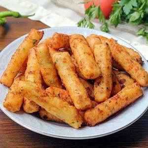 پنیر سرخ کرده میان وعده ترکیه ای با طرفداران ویژه