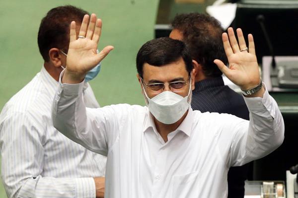 نامزد انتخابات 1400 در صحن علنی مجلس