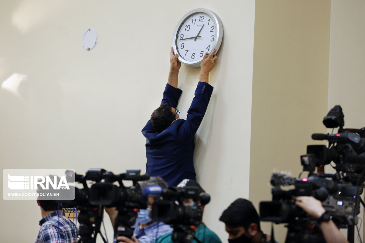 تنظیم ساعت در نشست خبری سخنگوی وزارت خارجه