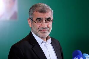 نیکزاد: وزارت خارجه با جدیت توهین به هموطنان خارج از کشور را پیگیری کند