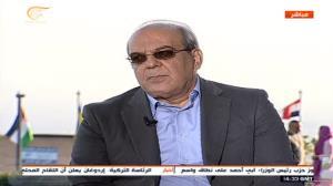 عباس عبدی: سیاست خارجی رئیسی مثل احمدی نژاد بی منطق نخواهد بود