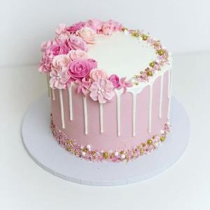 آموزش مرحله به مرحله «تزئین کیک» جذاب برای جشن ها