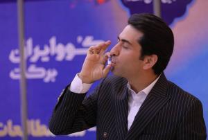 «بوسه عزت» محمد معتمدی بر واکس ایرانی کرونا