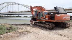 فاز نخست پروژه ساحلسازی رودخانه کارون خرمشهر آغاز شد