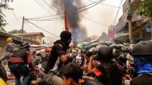 کشته شدن ۴ تن از مخالفان در میانمار