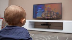 کودکان زیر دوسال تلویزیون نبینند!