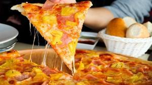 طرز تهیه پیتزا آناناس با طعمی متفاوت