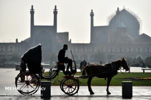 اصفهان بهار ۱۴۰۰ حتی یک روز هم هوای پاک نداشت