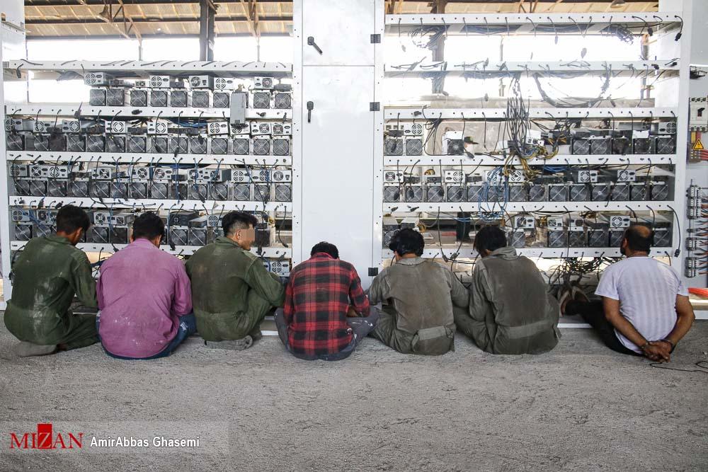 عکس/ کشف بزرگترین مزرعه استخراج رمز ارز ایران در غرب تهران