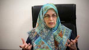 توئیت منصوری درباره زنی که به «نبرد با گرگها برخاسته»