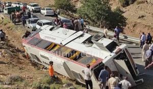 واژگونی خونین اتوبوس خبرنگاران؛ 2 نفر جان باختند