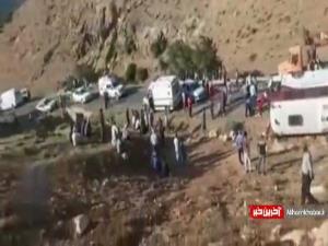 ویدئویی از محل سانحه واژگونی اتوبوس حامل خبرنگاران