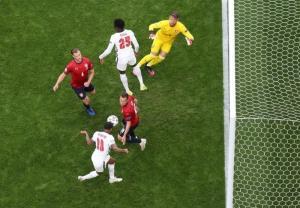 یورو ۲۰۲۰/ پیروزی یک نیمهای انگلیس؛ تساوی کرواسی و اسکاتلند