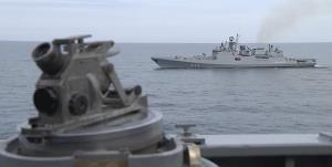 درگیری کشتی جنگی و جنگنده روس با ناو انگلیسی