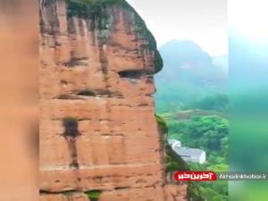 مقبره صخره ای عجیب و باستانی در چین