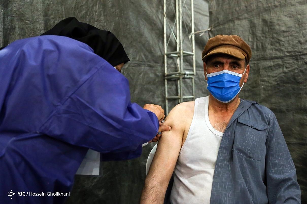 عکس/ واکسیناسیون گروه سنی بالای ۷۰ سال در قزوین