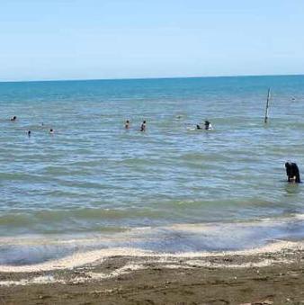 دریای کاسپین جان دو جوان را در آستارا گرفت