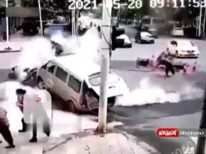 انفجار زیر زمین، چند نفر را به هوا پرتاب کرد!