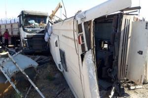 فیلم دوربین مدار بسته حادثه واژگونی اتوبوس در دهشیر یزد با 35 کشته و زخمی