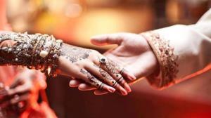 ازدواج همزمان مرد هندوستانی با دو زن!