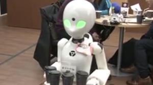 فیلم جالب از یک کافه رباتیک در توکیو