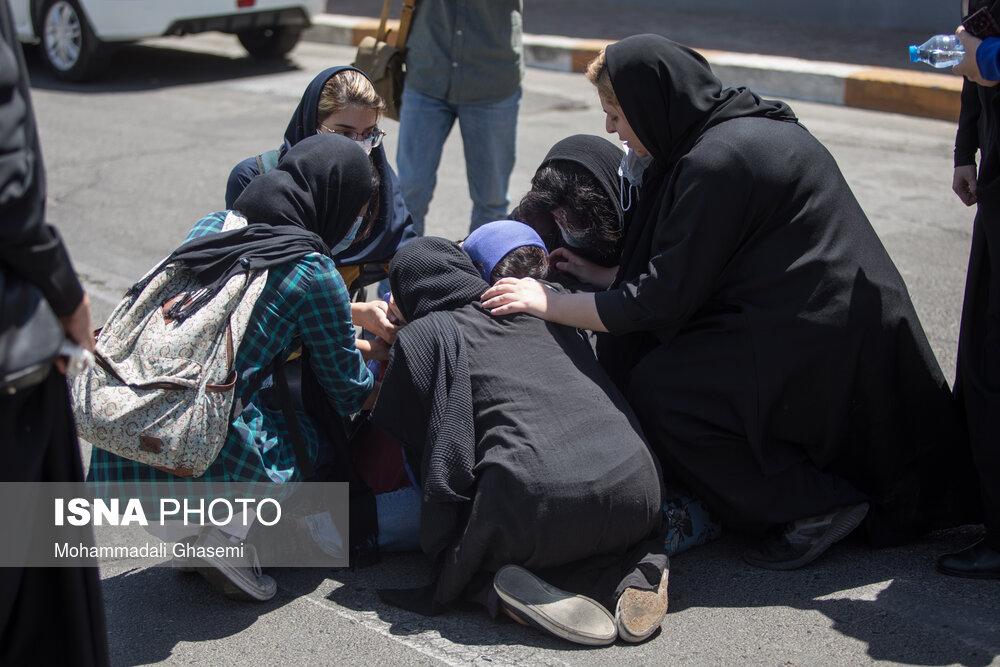 عکس/ ورود قربانیان و مصدومان سانحه واژگونی اتوبوس خبرنگاران، به فرودگاه مهرآباد