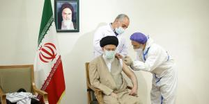 رهبر انقلاب دُز اول واکسن ایرانیِ کرونا را دریافت کردند