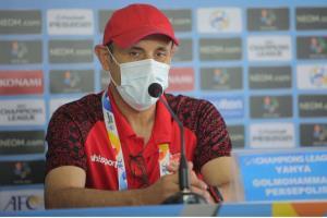 گل محمدی به دنبال پیروزی در سومین تقابل با محمد ربیعی