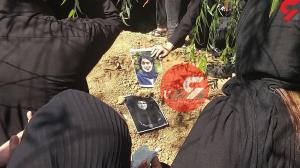 مراسم خاکسپاری مهشاد کریمی و ریحانه یاسینی برگزار شد